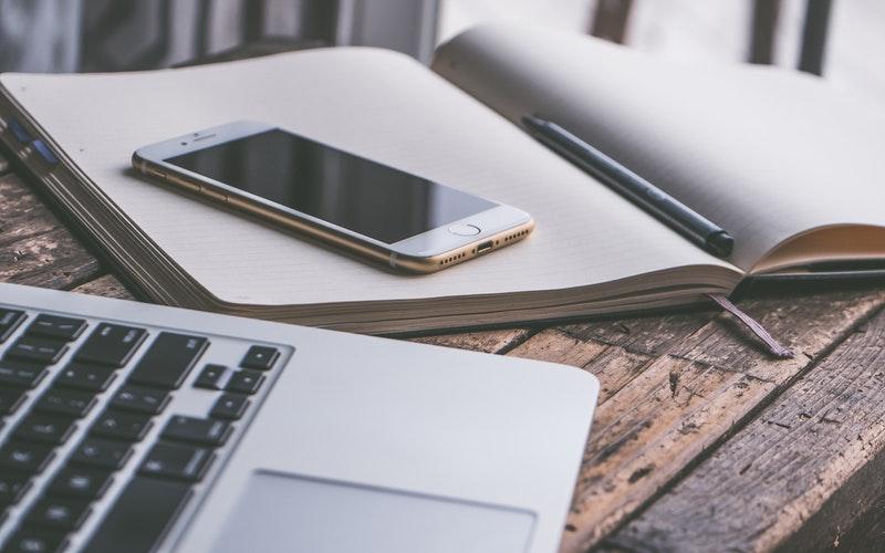 Conecta la pluma inteligente a dispositivos móviles