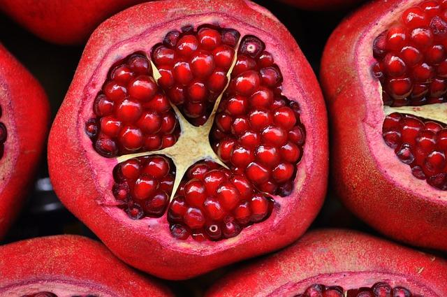 la Granada es una fruta tropical