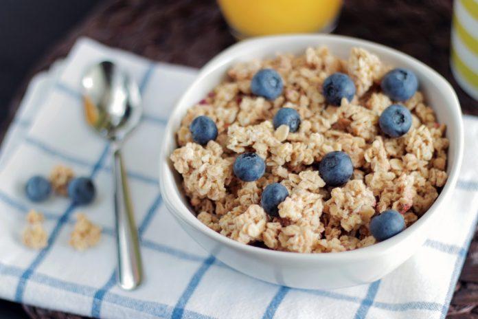 El consumo de carbohidratos, glúcidos o azúcares debe de ser controlado en las personas con diabetes