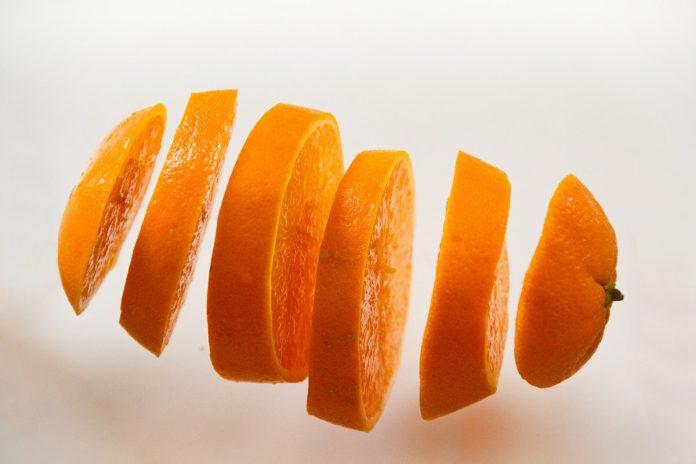 Existen alimentos con fibra soluble como la fruta, las legumbres y los vegetales.