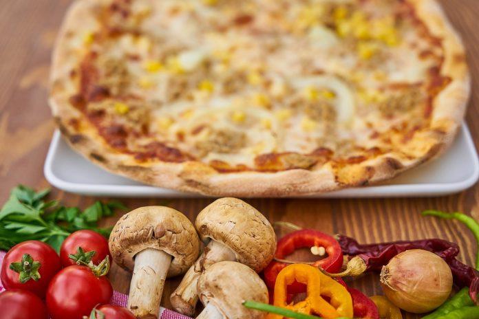 Receta: Pizza de atún y vegetales