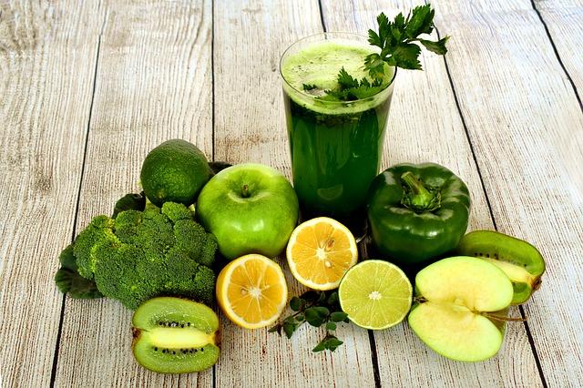 La fruta exprimida pierde antioxidantes y fibra